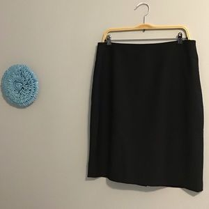 🌲 EUC Talbots Sleek Black Lined Skirt Sz 12 🌳